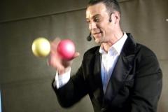Balljonglage mit Ullich Stybe - ein Hingucker auf jeder Bühne