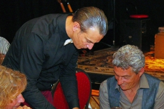 Comedy Kellner Ullich Steybe hilft dem Gast
